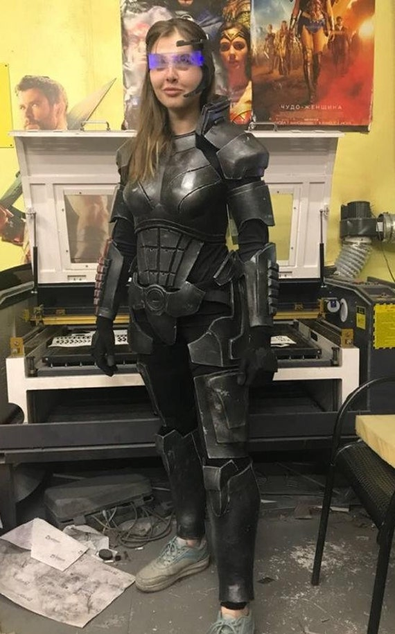 N7 Mass Effect Female Shepard Armor Kit