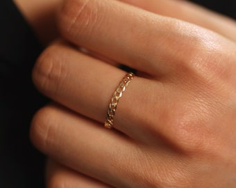 Peridot Ring 9ct Gold Ring Minimalist Ring Stacking Ring Simple Ring Solitaire Ring Rings For Women Solid Gold Ring Tiny Gold Ring