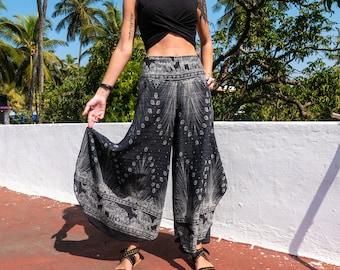 1fbffbcc0d6 Palazzo Pants // Bohemian Clothes // Hippie Clothes // Boho Stays // Yoga  Clothes // Music Festival Pants // Open Leg Pants