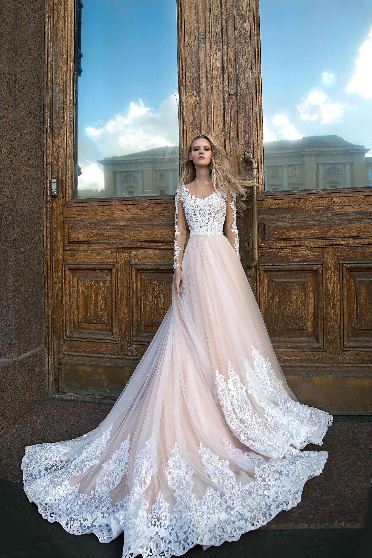 dc75e5a5d34 A silhuette wedding dress Greyst by Olivia Bottega long