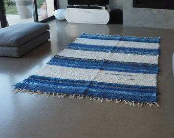 Recycled cotton double mat white and Blue design and comfortable eco-friendly ethics Scandinavian contemporary