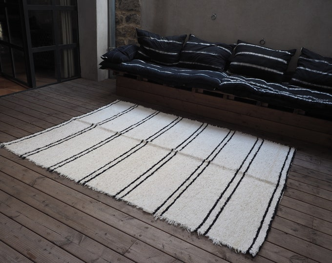 Simple recycled cotton rug ecru with bands ethical eco friendly sustainable type comfortable Berber Scandinavian desing