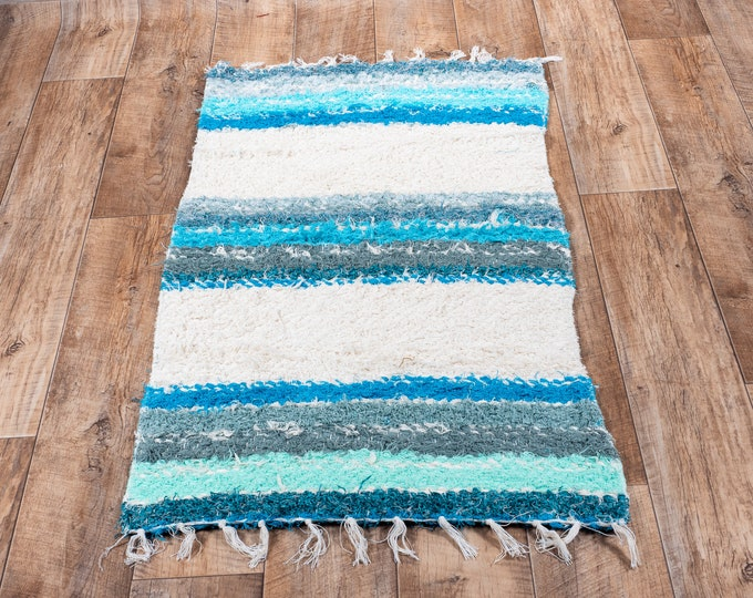 Turquoise carpet white stripe double cotton recycled cotton ethical ecological contemporary interior bed descent. 60cm 120cm