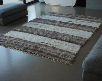 Recycled cotton double mat Brown and white design and comfortable eco-friendly ethics Scandinavian contemporary