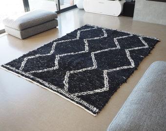 Tapis  coton  recyclé  blanc et noir reversible noir et blanc  éthique écologique durable  type berbère design scandinave boheme chic