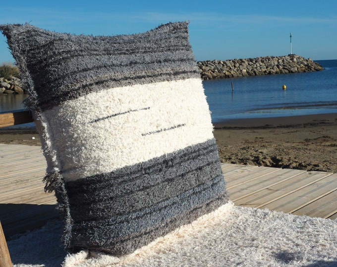 Gray and white pillow cover recycled ethical eco-friendly cotton Interior contemporary washable ideal ground comfort