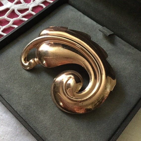 Sublime Gold Plated Huge Luxury Vintage Brooch from France Art Deco French VINTAGE PANTHERE Great Brooch French Haute Couture