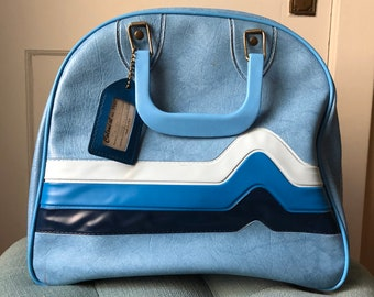 b0977caa40b4 Vintage 1980s Colonial Brunswick Blue with Stripes Wire Rack Bowling Ball  Bag