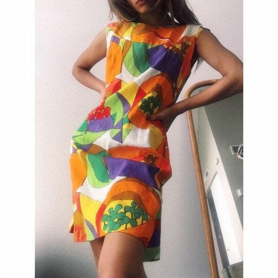 1970s Hawaiian Mini Dress - image 3