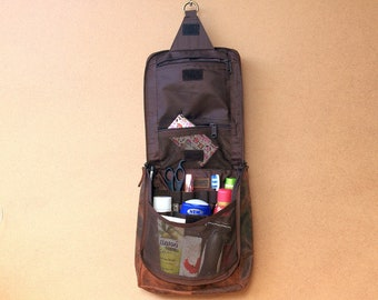 Hanging Toilet bag Leather toilet bag cosmetic bag for hanging brown used look
