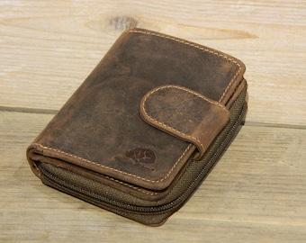 Vintage Leather Wallet Ladies Wallet in Vintage Style Zipper Pocket in saddle brown used look