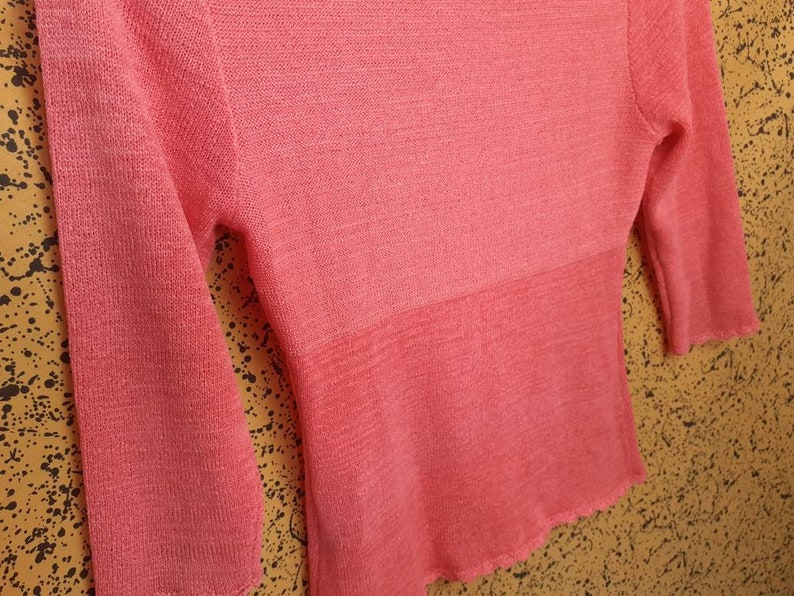 Early 2000s y2k Pink Salmon Crop Knit Top Sweater Square Scalloped Neck 34 Sleeves Super Soft