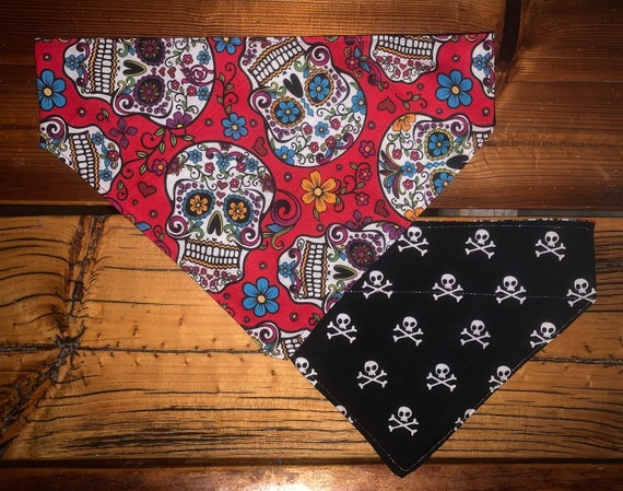 LAST ONE, S, Dia de Los Muertos Pet Bandana, 2-Sided Sugar Skulls, Skull & Crossbones, Assistedly Made by Special Olympians in Montana