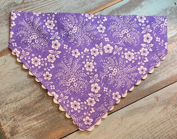 Scallop Edged Pet Bandana, Mothers Day Pet Gift, Made in Montana Assistedly by Young Adults with Special Needs