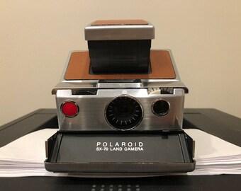 Vintage Polaroid SX70 with Leather Case 12f5ae09e74