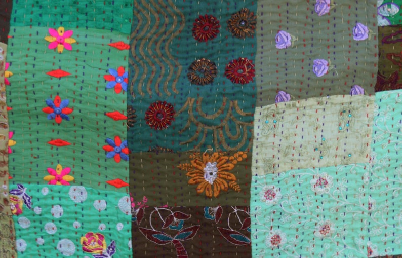 Green Colorful Patchwork Kantha Quilt Handmade Indian Sari Kantha Blanket Hand Stitched Queen Size Kantha Throw Hand Embroidered Bedspread