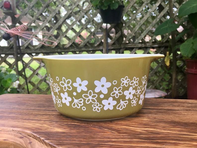 Vintage Pyrex Green Crazy Daisy 1 Quart Mixing BowlPyrex Green Spring Blossom 1 Quart Batter BowlPyrex Crazy Daisy