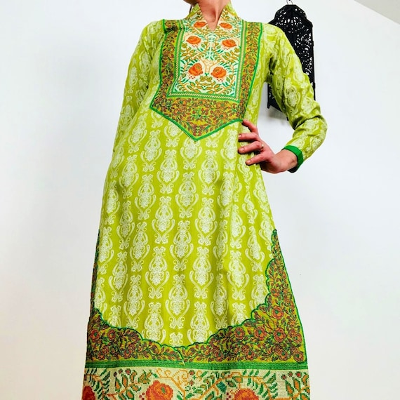 Vintage Indian cotton dress with amazing embroider