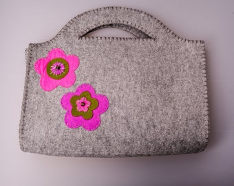 93fe5aae648 Felt gray bag with flower pattern hand woven