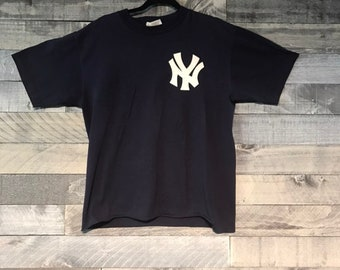 6a229205c Vintage NY Yankees Bernie Williams Jersey T-Shirt