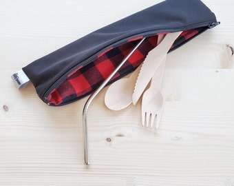 GREAT pouch for utensils/straw/toothbrush (black interior tiles)