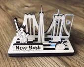 Wood display city NEW YORK for shelf or desk with acrylic twin towers