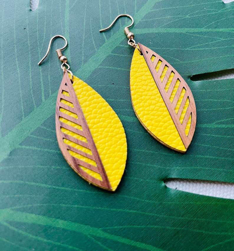 Laser cut wood Leaf earring with leather image 0