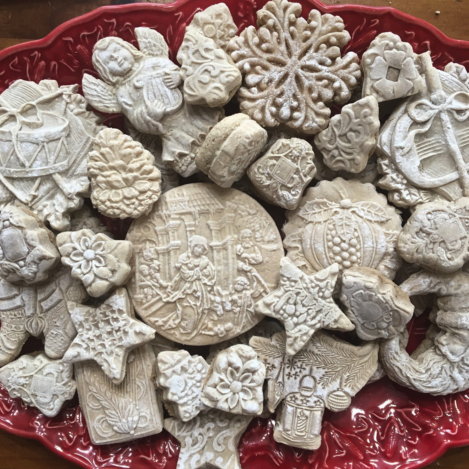 24 Vintage Christmas Tea Cake Cookies Victorian Egg Nog Springerle and Gingerbread, Speculaas, Speculoos Lebkuchen