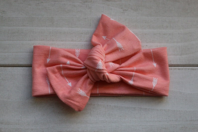 Coral arrow knot bow