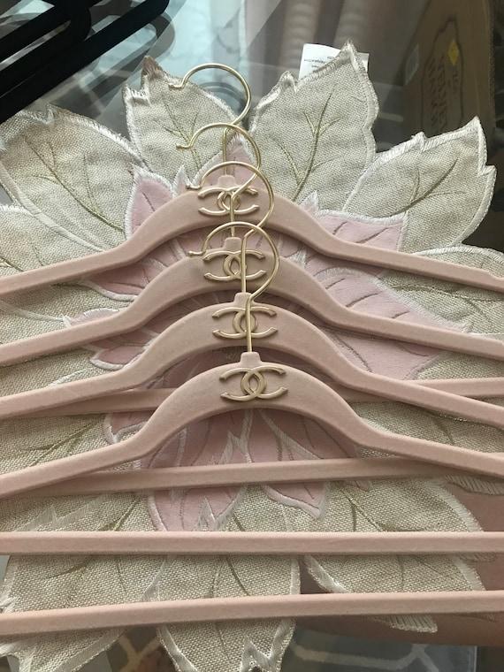 Fancy Velvet Hangers Set Off 6 Pcs by Etsy