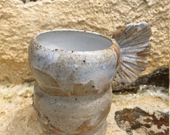 Venus Coral vase