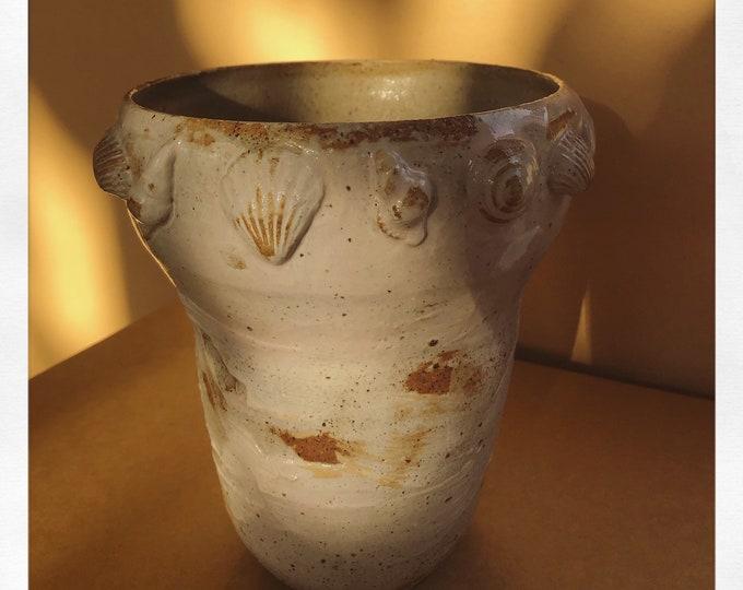 Doris pink vase