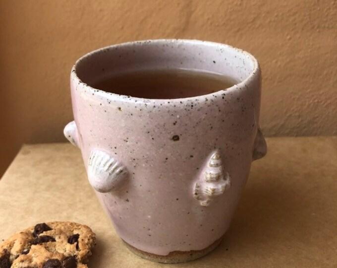 Seashells pink cup