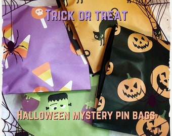 Trick or Treat Spooky Mystery Seconds Pin Blind Bag