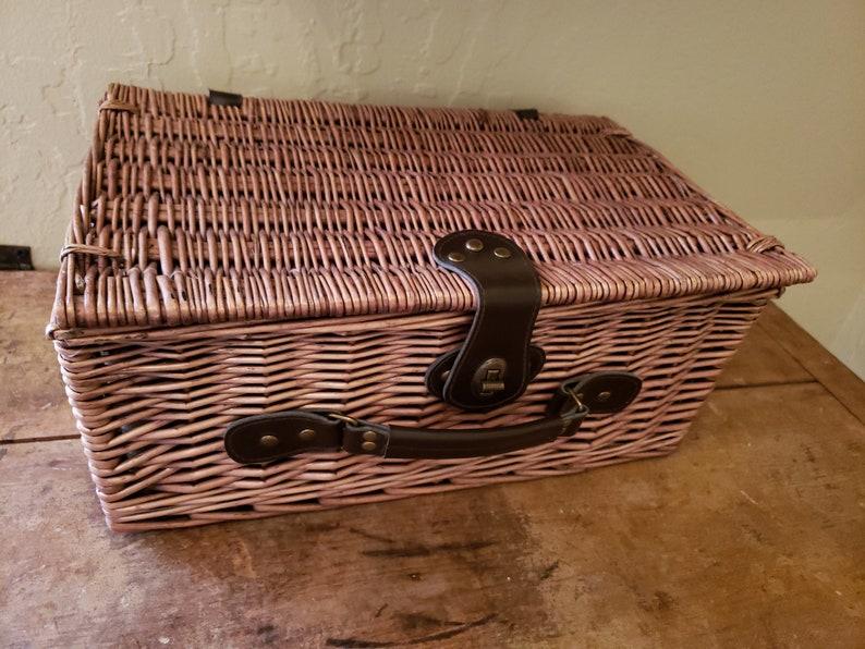 Vintage Picnic Basket for 2
