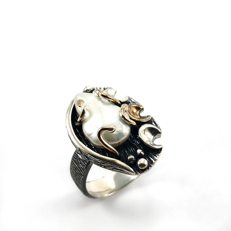 Handmade Designer Silver Ring with Natural Pearl