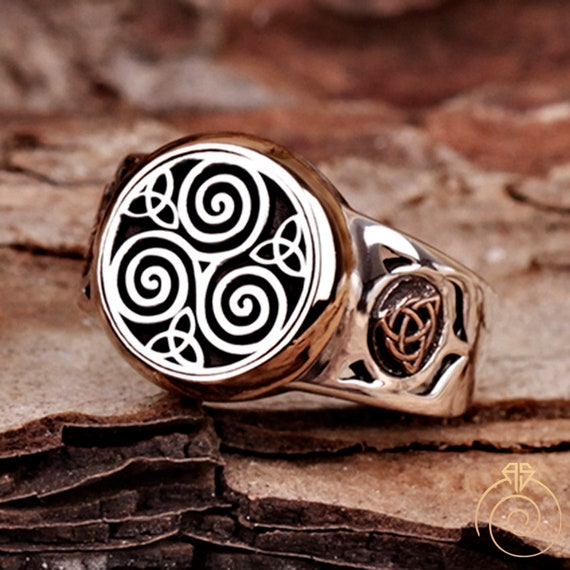 Authentic statement men ring with natural unique brown and white tree agate silver 925 engraved design on the sides