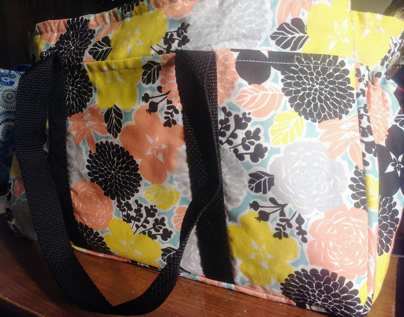 Ready Made Women/'s floral open top work utility tote 8 pockets