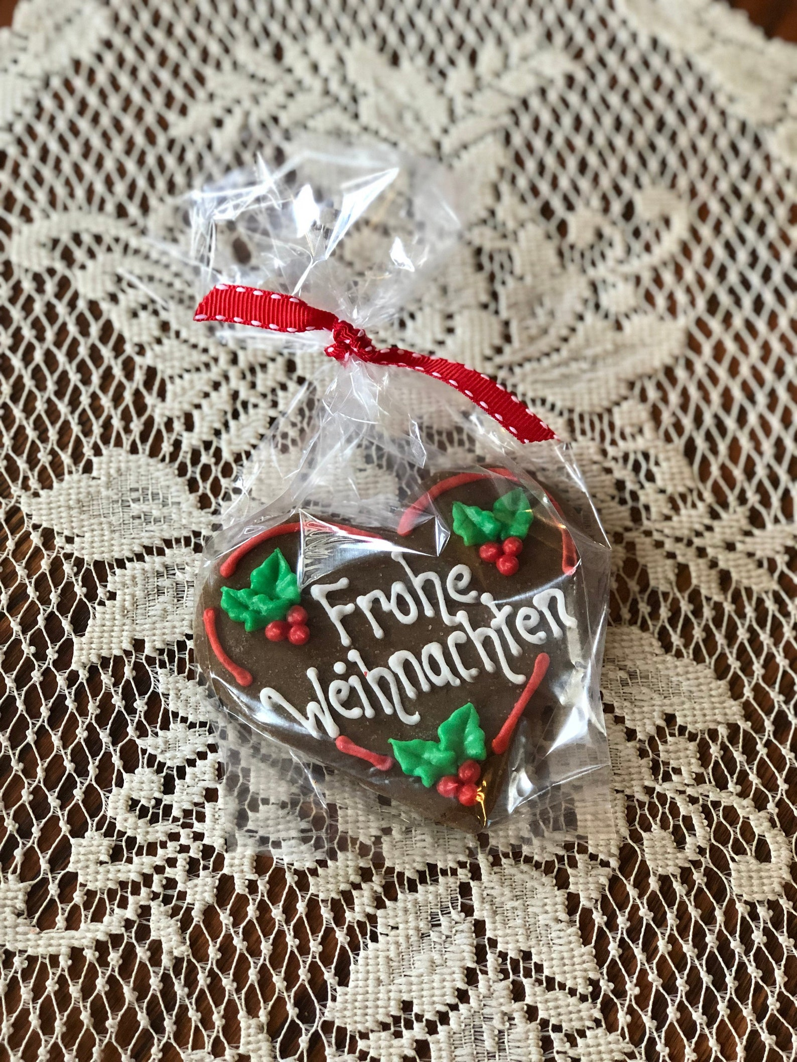 German Sentiment Heart Gingerbread Cookies- (1 per order)