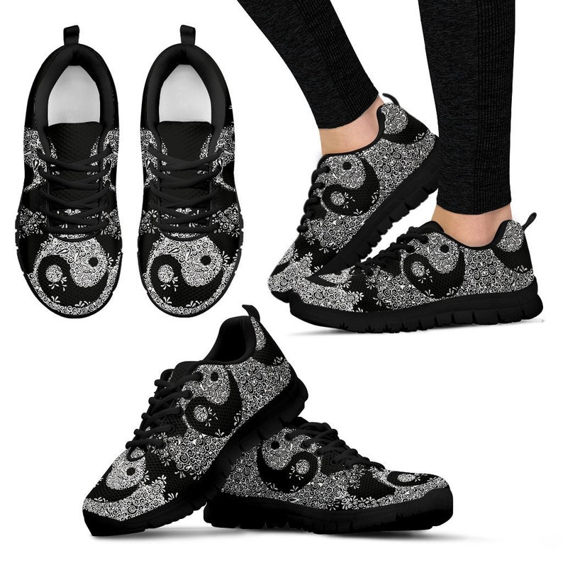 Trainers Mesh Running Shoes Runners Custom Printed Sneakers Lace Up Sportswear Tennies Shoes College Wear Streetwear Athleasuire