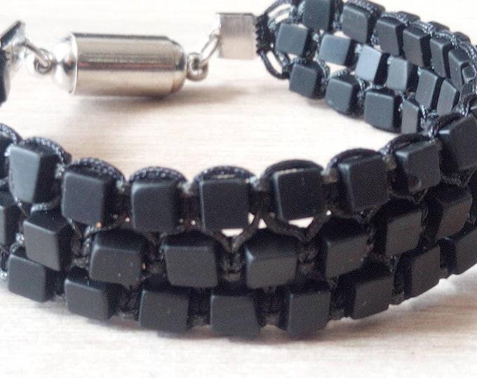 Tri-band bracelet cuff in onyx