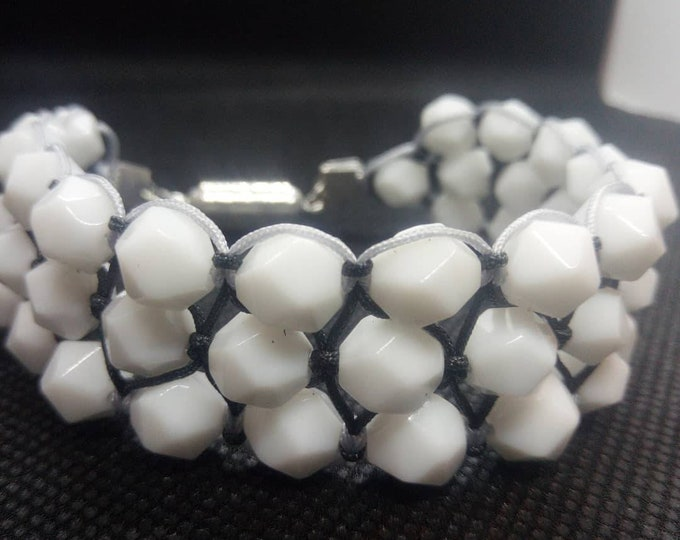 Tri-band cuff in Faceted White Onyx