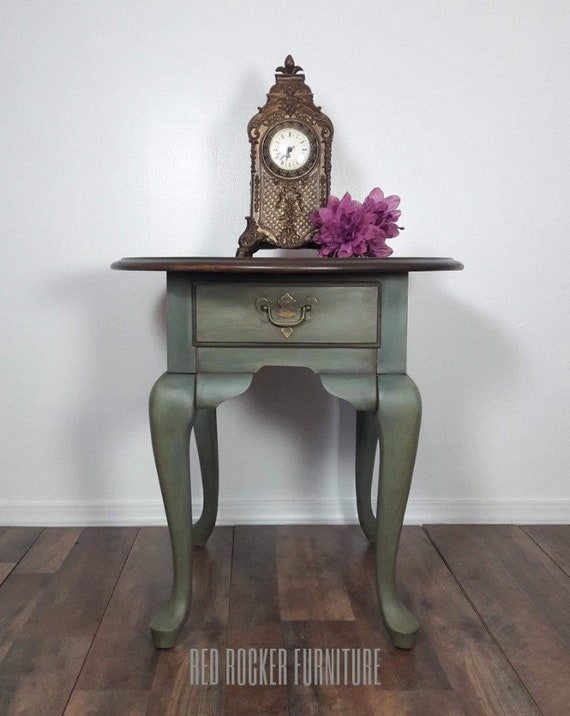 Queen Ann Sidetable.Queen Anne Side Table