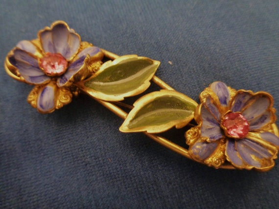 enchanting 30s 40s spring brooch