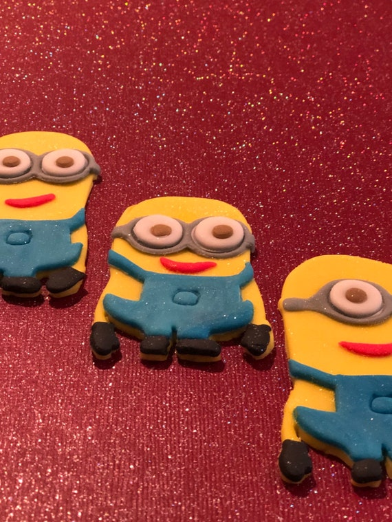 Inspired by Minions movies cupcakes toppers