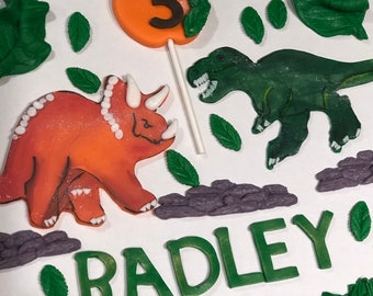 Edible dinosaurs cake toppers