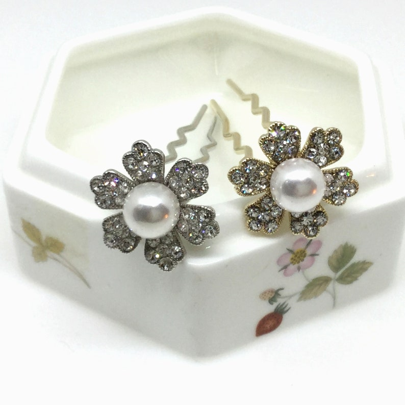 Charming Story Shop Rhinestone  and Pearl Flower Hair Pin Style #4 gold, silver