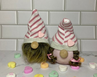 Valentine's day gift, valentine gnomes, gnomes, gift for her, gift for him, knick-knacks