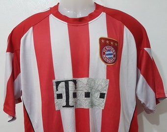 b5c271057 Vintage striped FC Bayern München robben tshirt