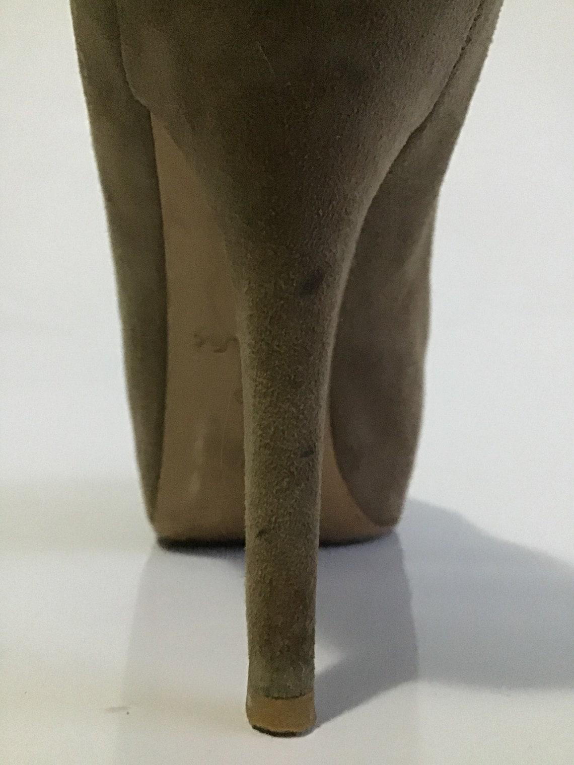 vintage Luis Vuitton- Stupendo ed elegantissimo decolte in  pelle scamosciata colore Oliva  con punta aperta Tacco cm 11 - Scarpe alla moda 97n6HrZf MPUvF9 X0ygSQ